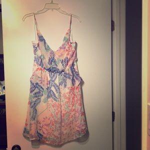 Yumi Kim 100% Silk dress size Large with pockets!